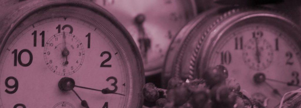 alte Uhren in Nahaufnahme